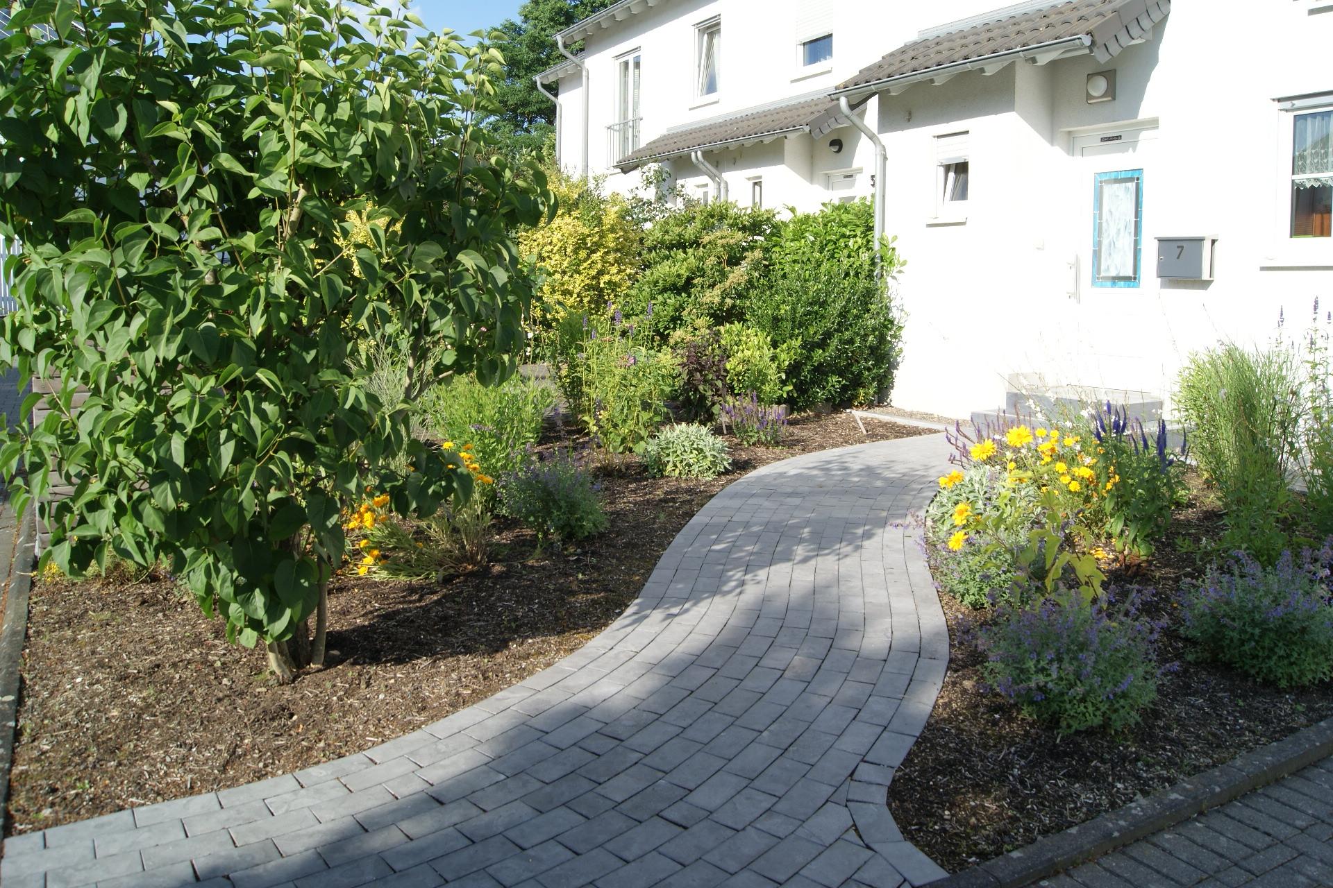 Gartenschönmacher Galerie: Betonsteinarbeiten, Landschaftsarchitektur Aachen